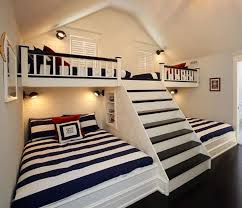 awesome idea for vacation house guest or kids room. 2 double beds and 2 twin