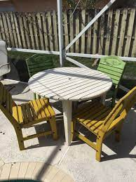fishtales patio table chairs for