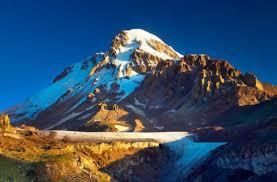 Гора Казбек одна из главных вершин Кавказских гор Казбек кавказские горы