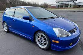 The tire size for your honda civic depends upon the year of manufacturer. 2004 Honda Civic Si Hatchback Auction Cars Bids