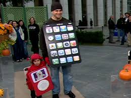 iphone costume. here\u0027s a homemade iphone costume and an ipod costume.