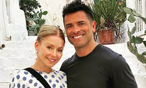Kelly Ripa and husband Mark Consuelos ...