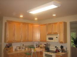 oak kitchen cabinets without crown molding