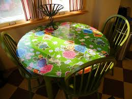 fitted oil cloth table slipcover mini tutorial