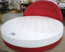 White tufted comfort round mattresses ...
