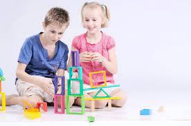 05 lý do vì sao nên cho trẻ nhỏ nhiều đồ chơi gỗ hơn? - LinhAnhKids.com