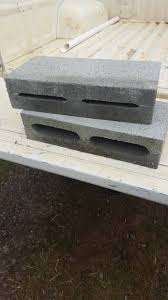 blocks for a small retaining wall but i ve only just noticed the holes in the middle are wider on one side why is there meant to be a top and bottom
