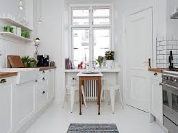 Small Appartment Eat In Galley Kitchen