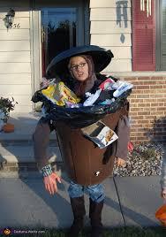 y trash costume