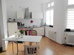 Fenster Zum Hof Kleine Aber Feine 2 Zimmer Wohnung Mit Balkon