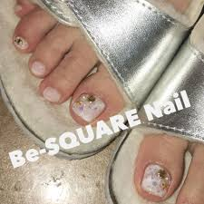 Be Square Nailさんのネイルデザイン ホワイトフットネイル大理石