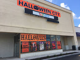 a former es r us in deptford is one of four locations in new jersey from the former chain that will house pop up toy and s until