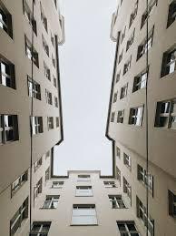 Apartmentbuilding Pictures Download Free Images On Unsplash