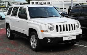 File:Jeep Patriot 2.2 CRD Limited (Facelift) – Frontansicht, 26 ...