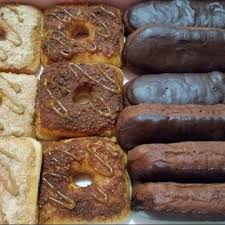 Food2BlogPaulinaLakwachera New Bistro DeliCountry Style Donuts