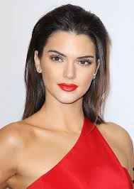 kendall jenner s perfect red lip plus more celeb beauty