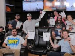 Weekend Sports Orders Over 35 Digiday The Did Barstool 000 7nzHx0xq