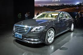 2018 mercedes benz s550. delighful mercedes mercedesu0027 2018 sclass throttles cuttingedge tech for a phenomenal  flagship series and mercedes benz s550