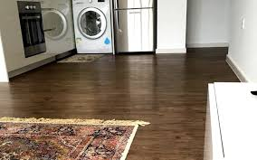 when it comes to vinyl flooring the minimum warranty you should be looking for a commercial usage is 10 years for residential vinyl flooring