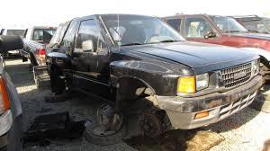 1993 isuzu amigo in california wrecking yard rh front view 2017 murilee martin