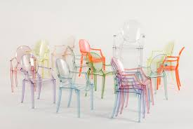 8 Pieces of Transparent Furniture That Give Any Room a Clear Advantage