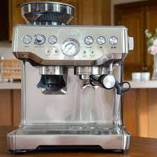 Để có một ly cà phê espresso không thể thiếu máy pha cà phê Breville 870  220V