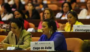 Resultado de imagen de mujeres cubanas defensa