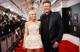 Blake Shelton & Gwen Stefani Play ...