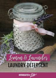 an easy and very effective recipe for a natural laundry detergent