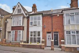 3 Bedroom Terraced House For Sale   Kent Avenue, ASHFORD, Kent