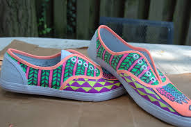 Diy shoes designs Drawing Now The Attic Blog Wordpresscom Boring Into Flashy Aztec Gems Easy Diy Way To Transform Your