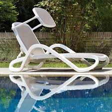outdoor resin chaise longue out glamour