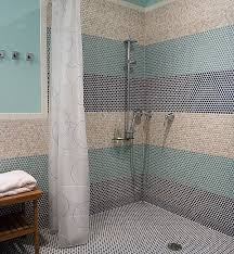 Stand up showers can be either equipped with doors or be without doors,  according to