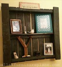 DIY Pallet Shelves to Manage Your Things | Pallet Furniture Plans