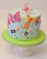 Simple Flowers Butterflies By Shereen Cakes Cake Decorating