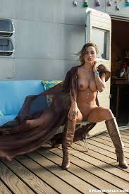 Nude Ana Cheri Sweet Honey DigHer