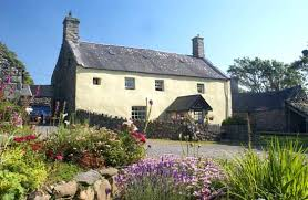 Barmouth Hotels, guesthouses and Bed and Breakfast - Welcome to Llwyndu  Farmhouse in Snowdonia