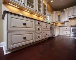 white glazed kitchen cabinets ideas