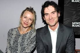Naomi Watts and Billy Crudup Hold Hands ...