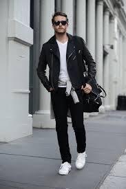 this combination of a jacket and black skinny jeans is very versatile and really up for