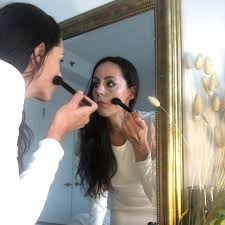 how a pro makeup artist gets ready for