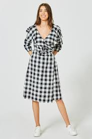 Best Designer Dresses For Curvy Figures Plus Size Clothing Designers