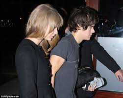 taylor swift and harry styles appear to confirm they re dating after they