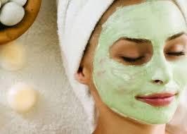 <b>Успокаивающие маски для лица</b>: покупные и домашние рецепты