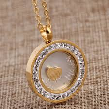 uniquely design lovely crystal pendant necklace with beautiful