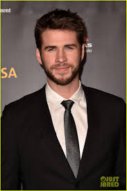 Liam Hemsworth Joins Isla Fisher at G'Day USA Gala 2019: Photo 4217164 |  Cody Fern, Curtis Stone, Emilie de Ravin, Isla Fisher, John Travolta, Liam  Hemsworth, Luke Hemsworth Pictures | Just Jared