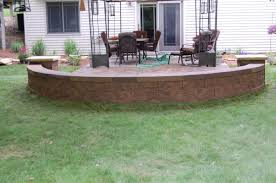 free standing retaining walls using versa lok wall block