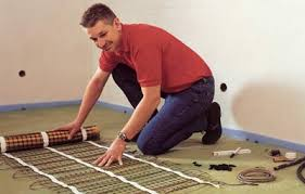 Die fußbodenheizung ist eine flächenheizung, die räume mittels im fußboden verlegter rohre beheizt. Einfache Verarbeitung Von Elektrischer Fussbodenheizung In Fliesestrich