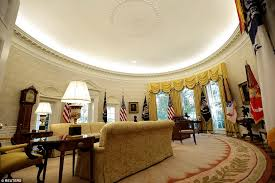 oval office wallpaper. Seal Of Approval: The Presidential Can Be Seen Here On Ceiling Oval Office Wallpaper F
