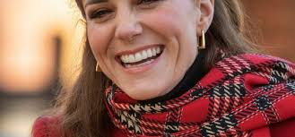 Following several years of intense speculation from the british media about the couple's marriage plans—during which time kate was dubbed waity katie—it was announced in november 2010 that the two had become engaged. Kate Middleton Her Discreet Tribute To The Queen Of England